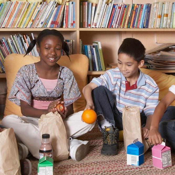 kids-eating-at-library-blog.jpg