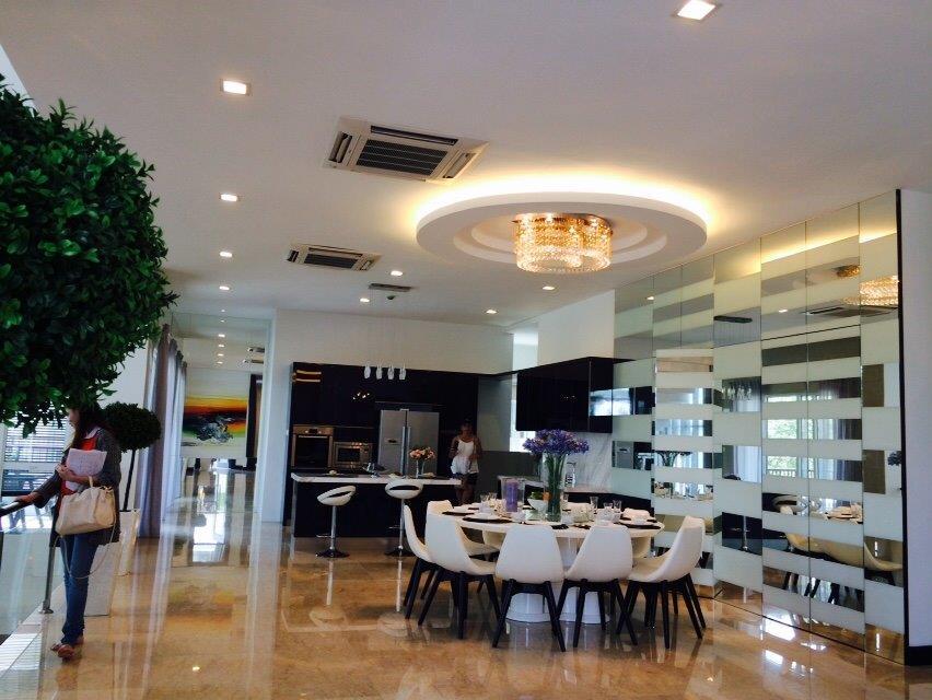 W Hotel Lobby 2.jpg