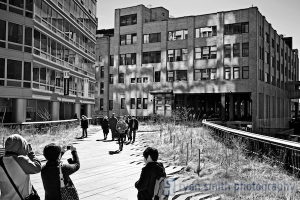 Walking around the High Line in New York City