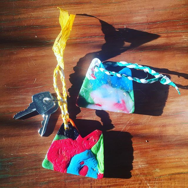 Plastic keychain made for @preciousplasticsm 🥤✌🏻✨