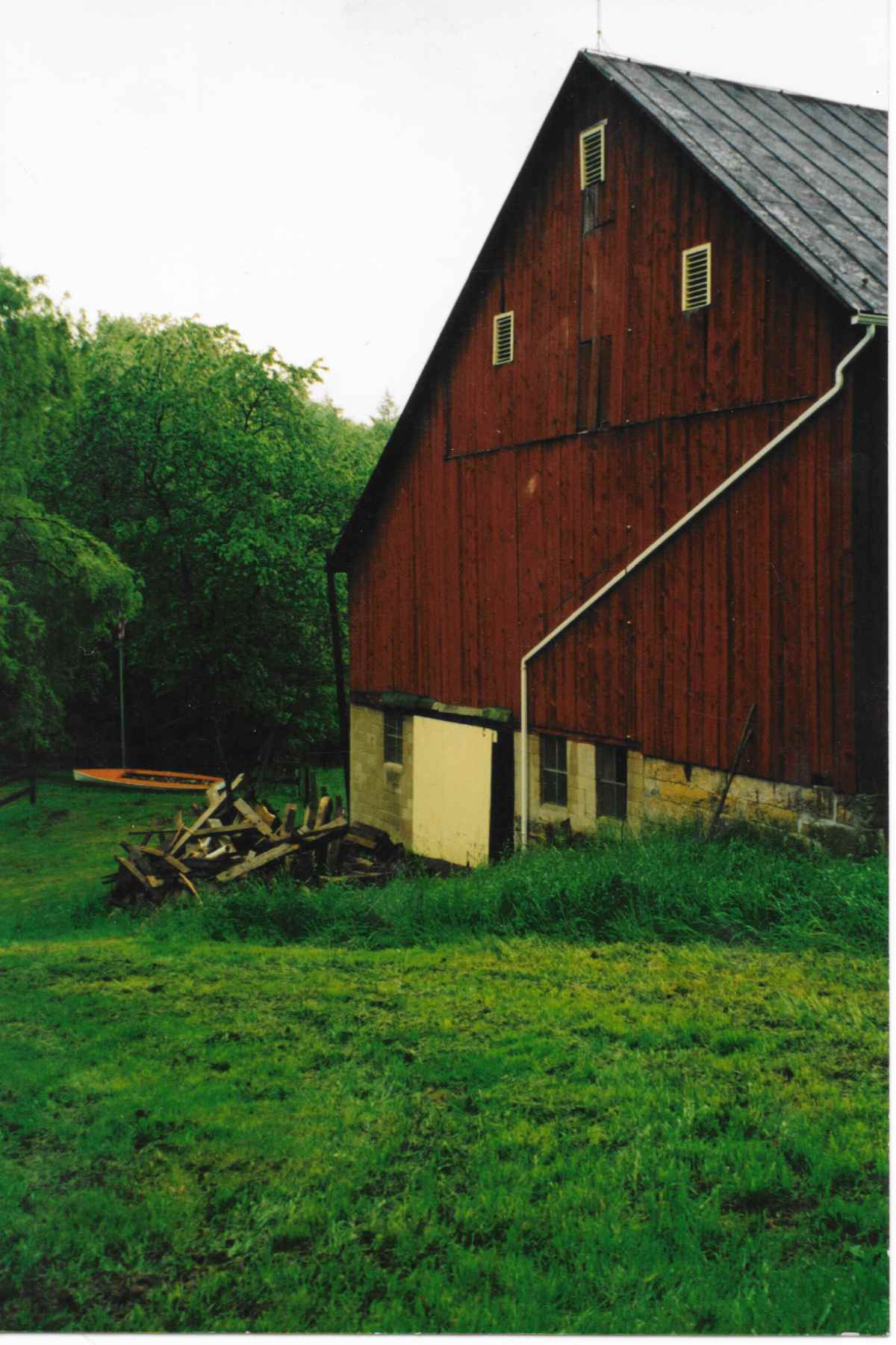 The barn at Chanteclaire Farm prior to renovation