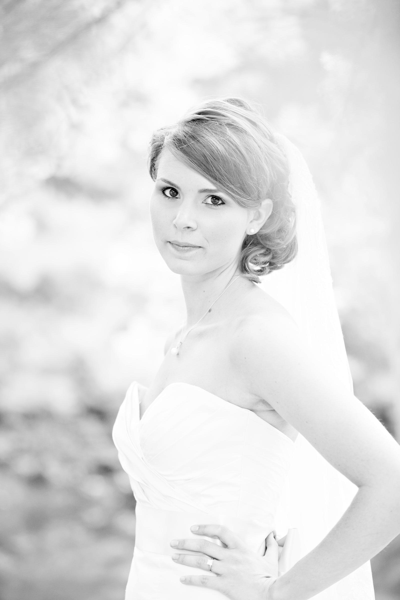 Laura-Badalamenti-bridal-009-bw.jpg