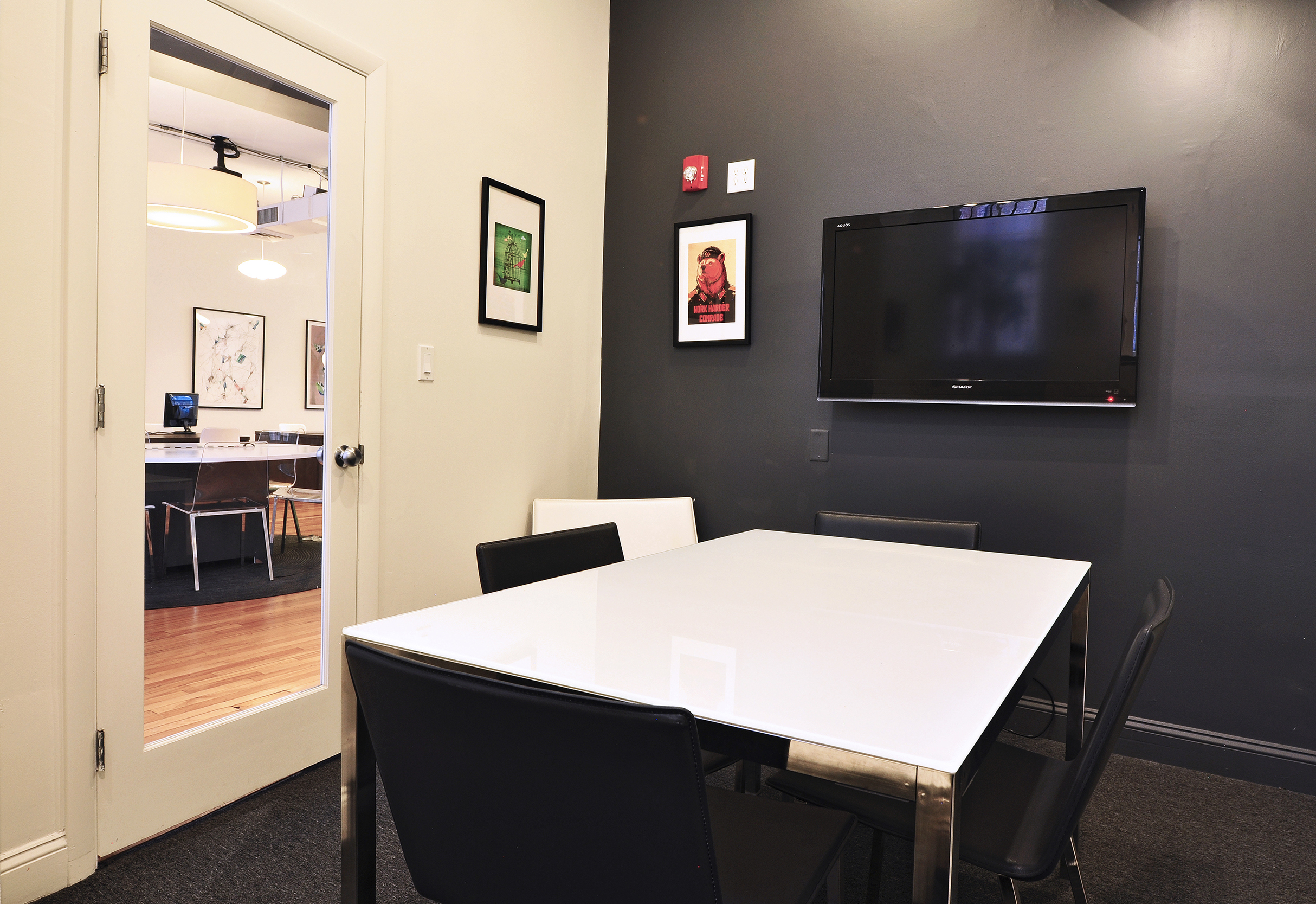 IPSWICH   (Capacity 4 people)   $60 per hour / $180 half day / $280 full day     Includes:  Monitor, Mark-Up Wall, Direct Phone Line  Make a Reservation:  Call (857) 239-9843 or  Email Us   Payment:  50% to hold reservation, 50% day of meeting  Location:  30 Newbury Street, 3rd Floor ( Map )