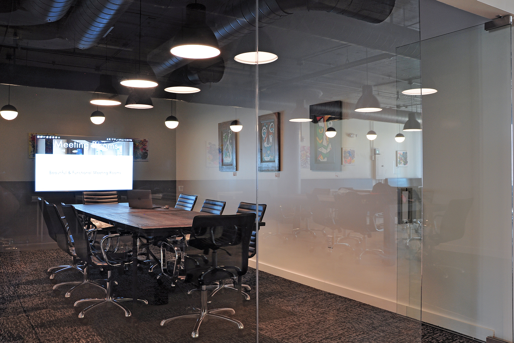 BROOKLINE   (Capacity 8 people)   $75 per hour / $240 half day / $390 full day    Includes:  Monitor, Mark-Up Wall, Direct Phone Line  Make a Reservation:  Call ((617) 314-9190 or  Email Us   Payment:  50% to hold reservation, 50% day of meeting  Location:  136 Brookline Avenue, Suite 2A ( Map )