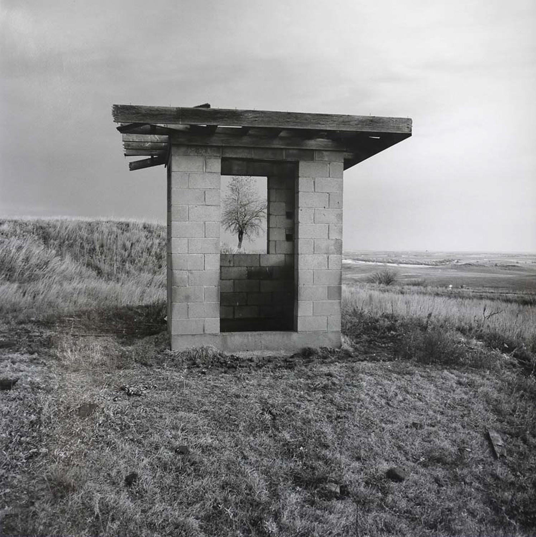 Abandoned_Guard_houseNov.2,1990-2.jpg