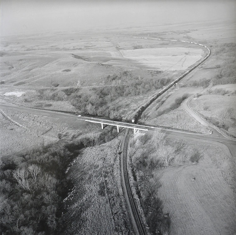 TRAIN_AND_BRIDGE_FEB_13_1993.jpg