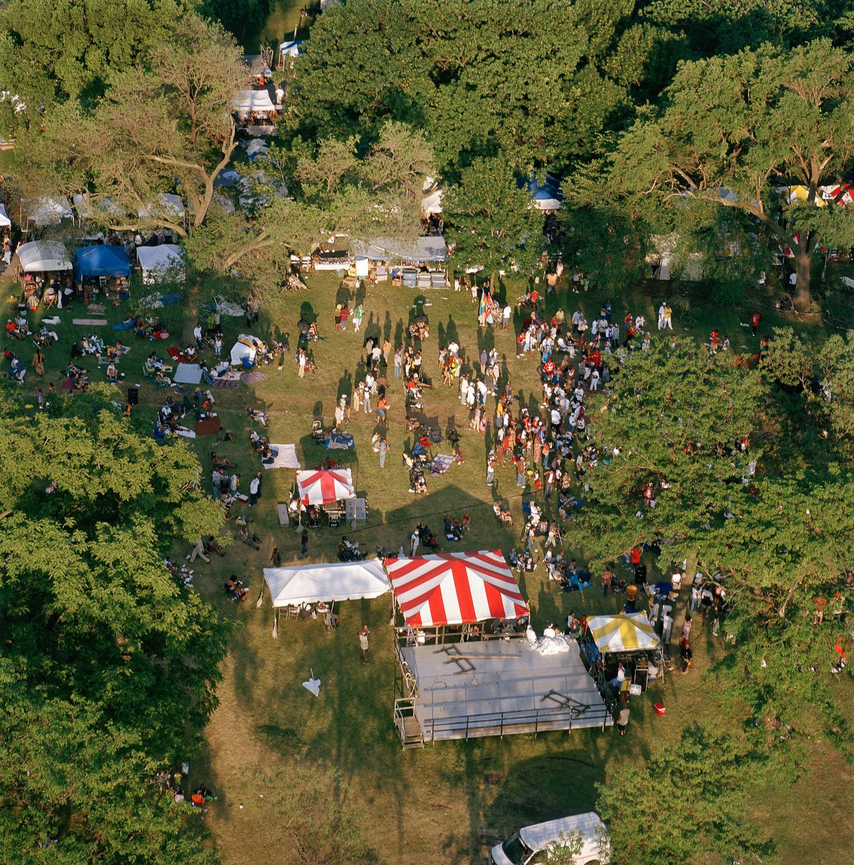 76-35.7_05_03.festival.jpg