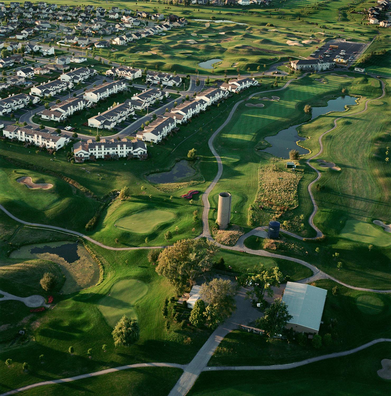 99-63.9_23_03.golf-houses.jpg