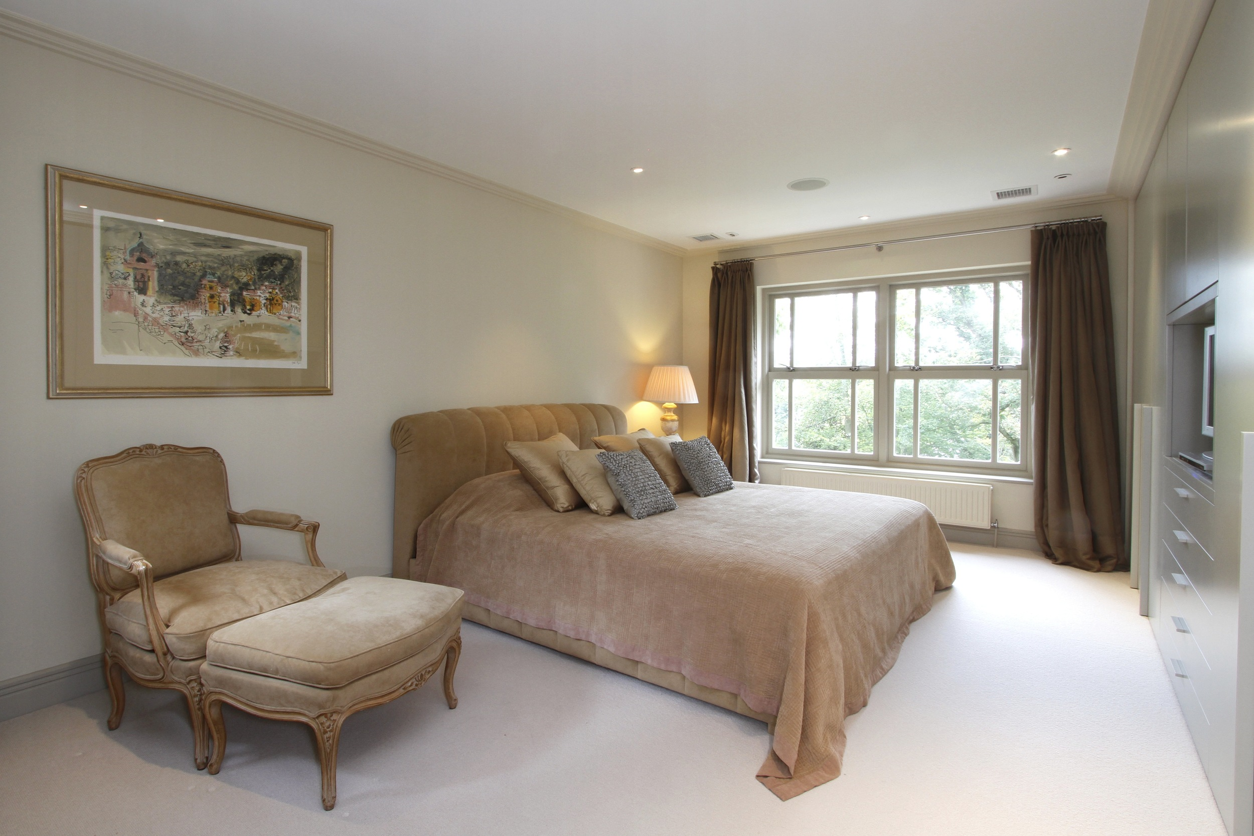 Ellington Lodge - Bed2.jpg