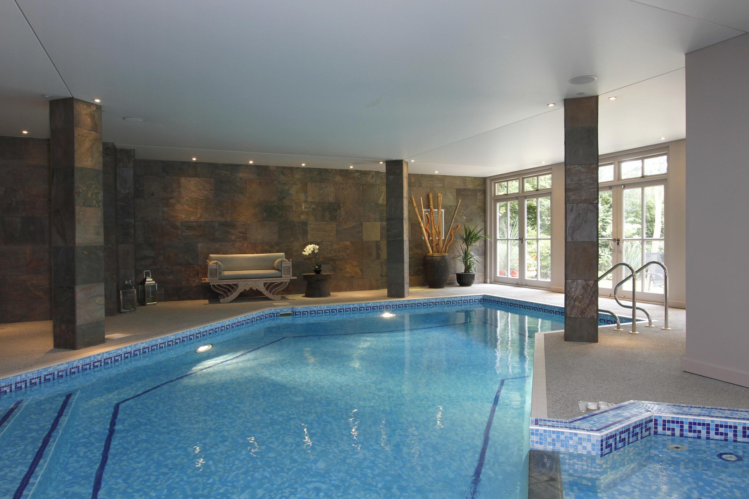 Ellington Lodge - Pool 2.jpg