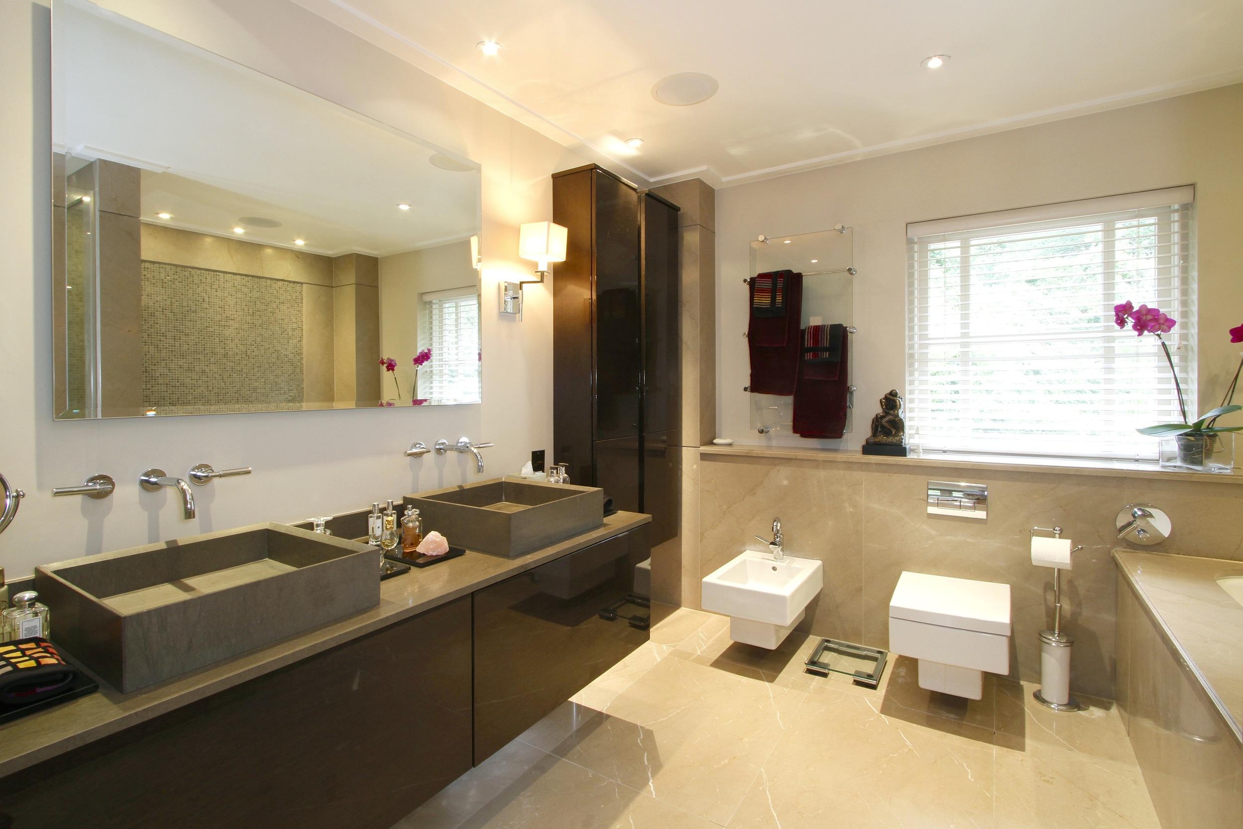 Ellington Lodge - Bath.jpg