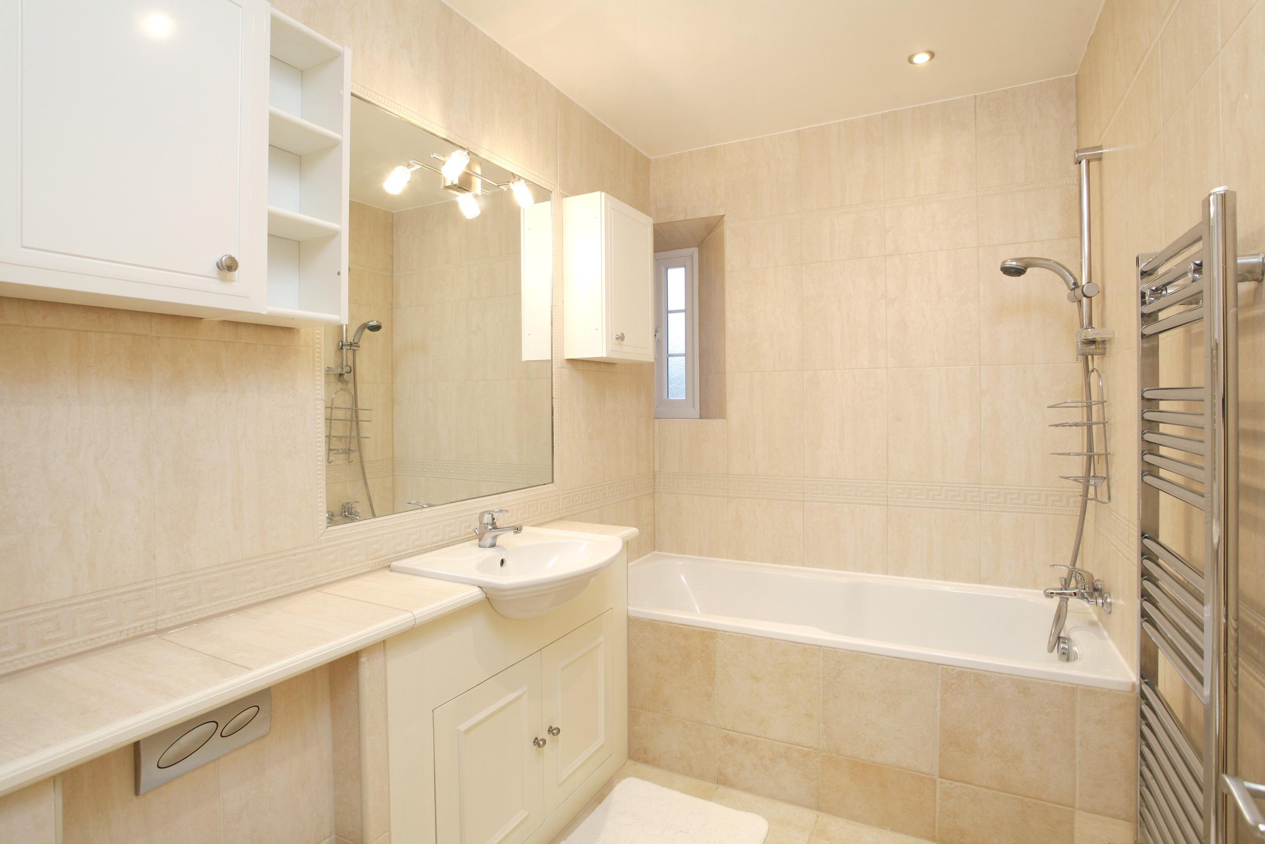 Athena Coombe End - Bath.jpg