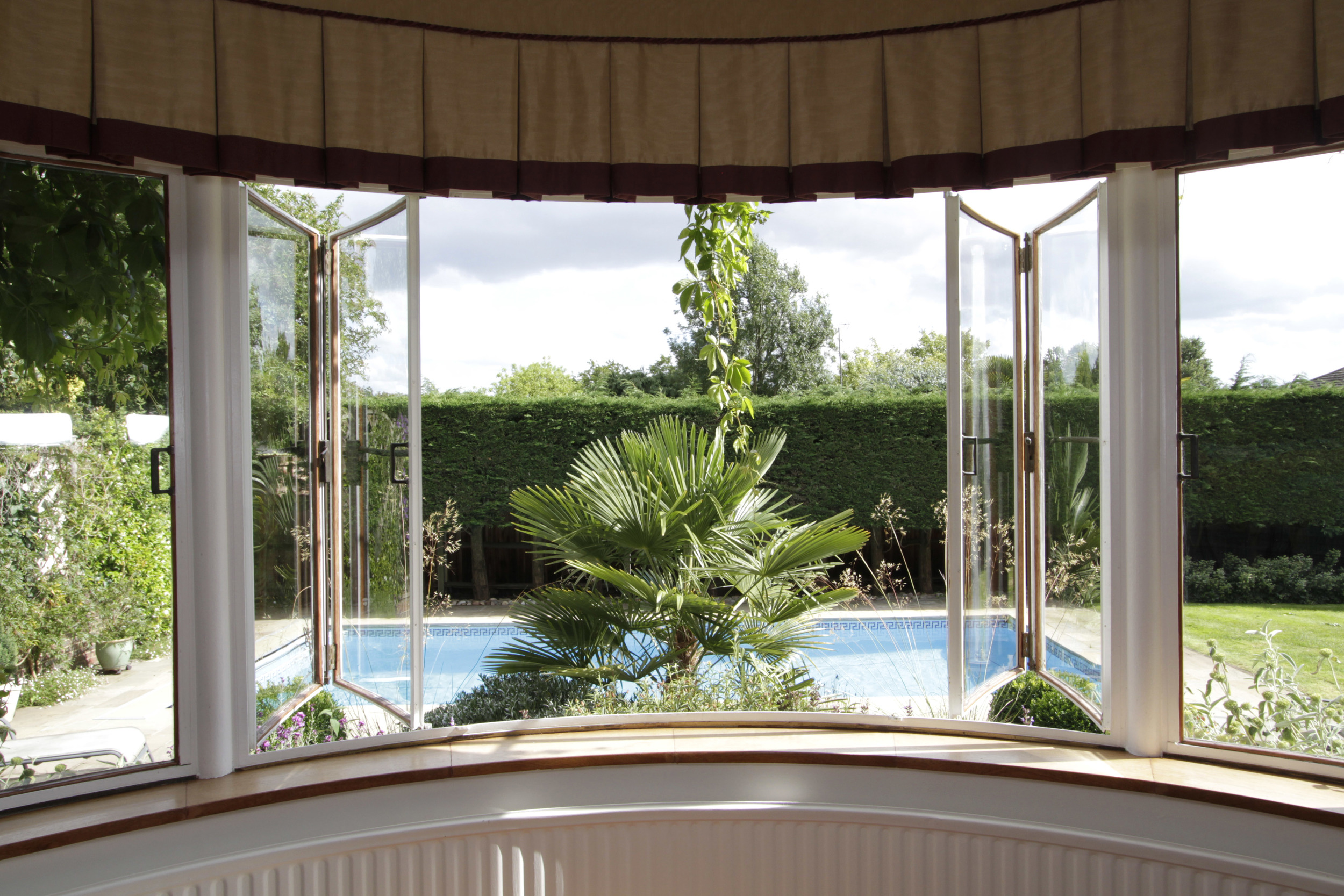Turret Hse -Window-Gdn.jpg