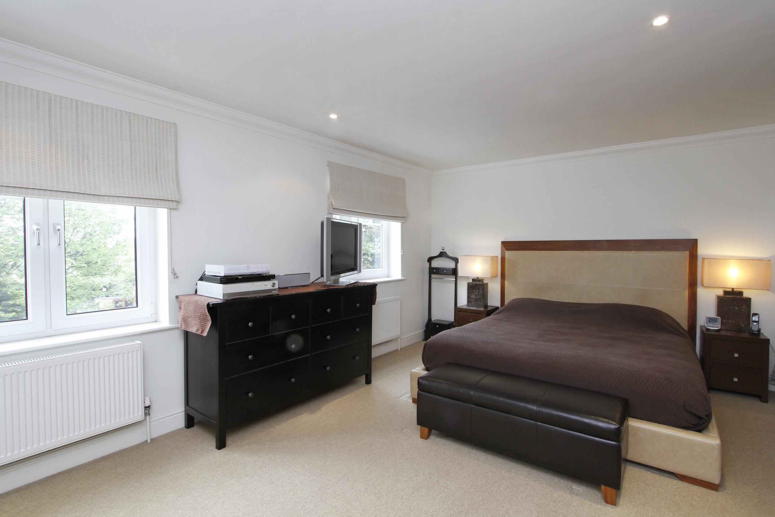 101 Kingston Hill - M Bed.jpg