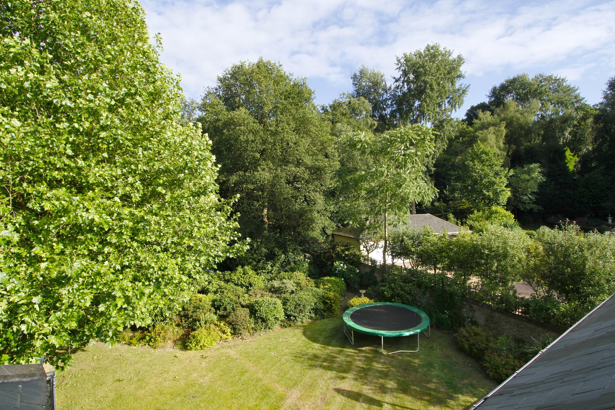 11 Coombe Ridings - View.jpg