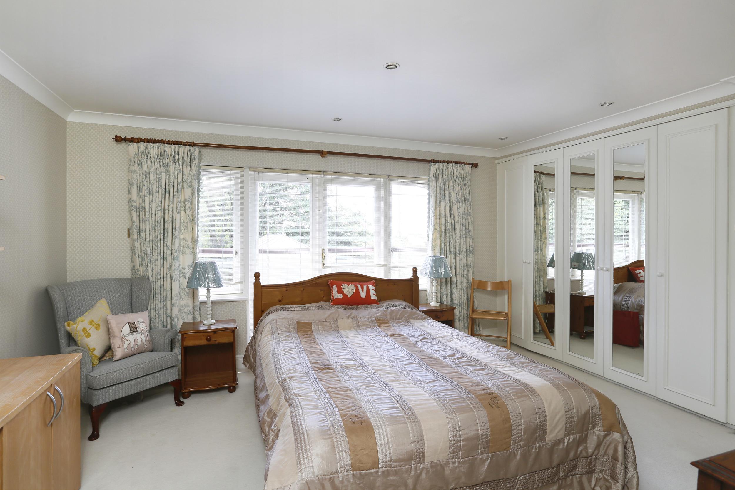 Cardinal House - Bed 2.jpg