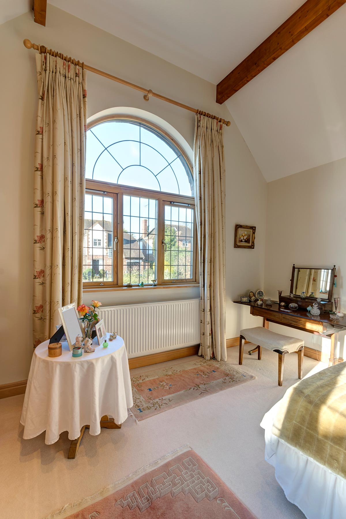 bedroom1_window.jpg