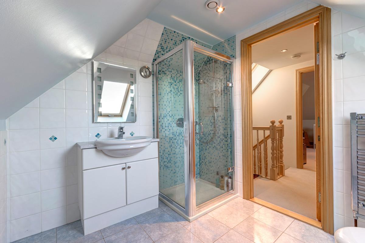 top bathroom.jpg