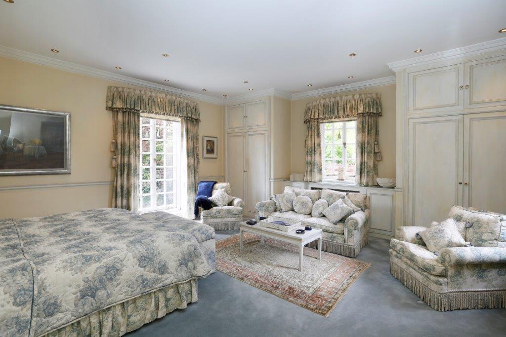 Soames House - Bed2.jpg