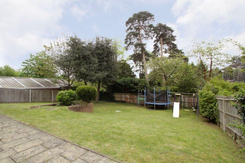 Coombe Lane West 138 - Gdn from right.jpg