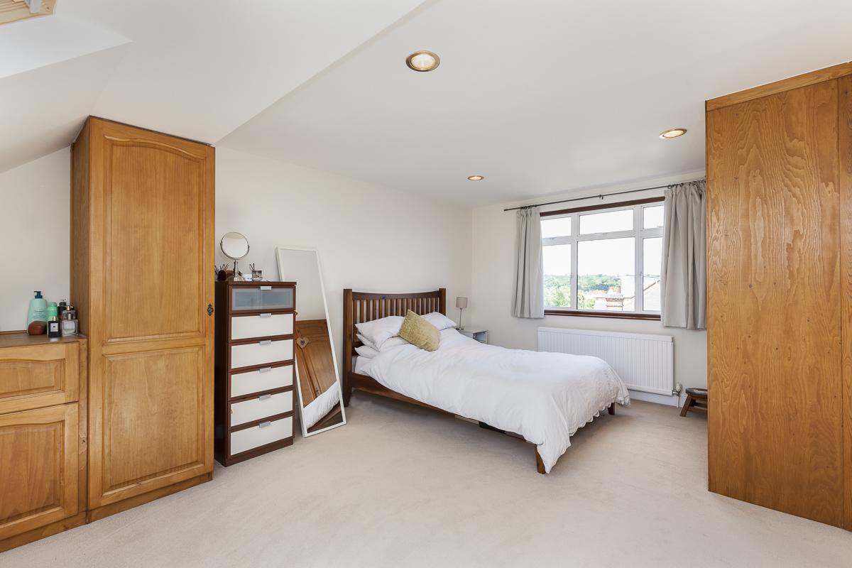 Alric Avenue 31 bed-14 (1).jpg