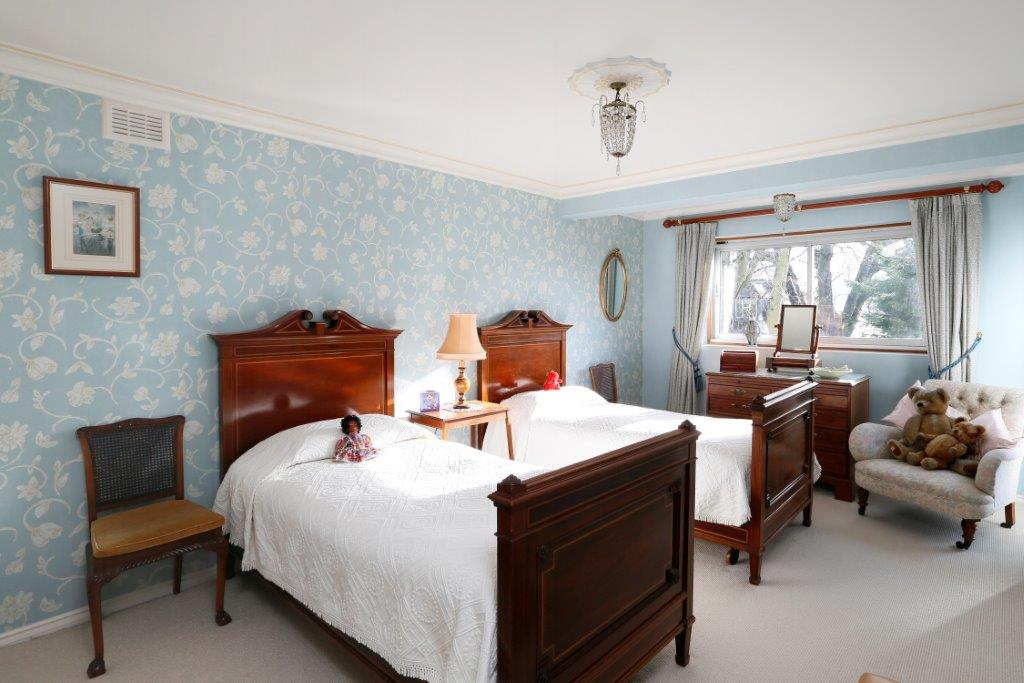 Coombe Edge - Twin Bed.jpg