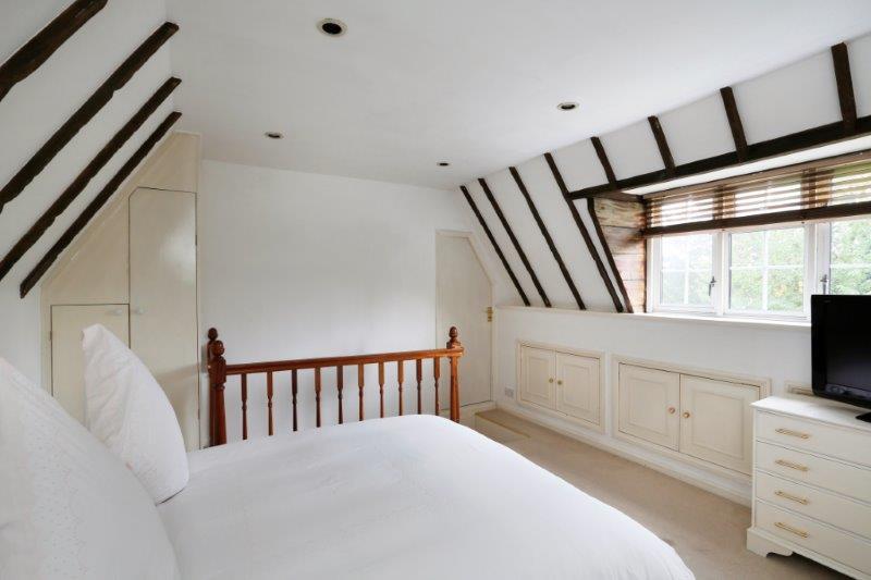 Zanta - Top Bed.jpg