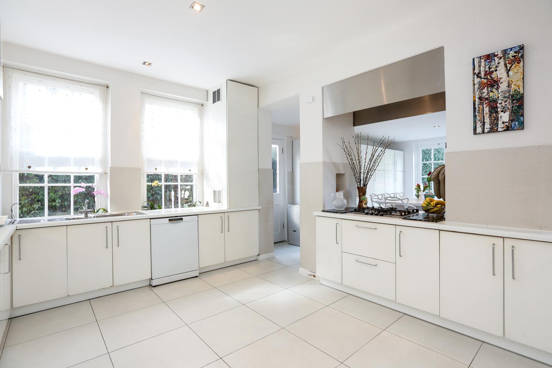 grey-tiles - Kitchen 2.jpg