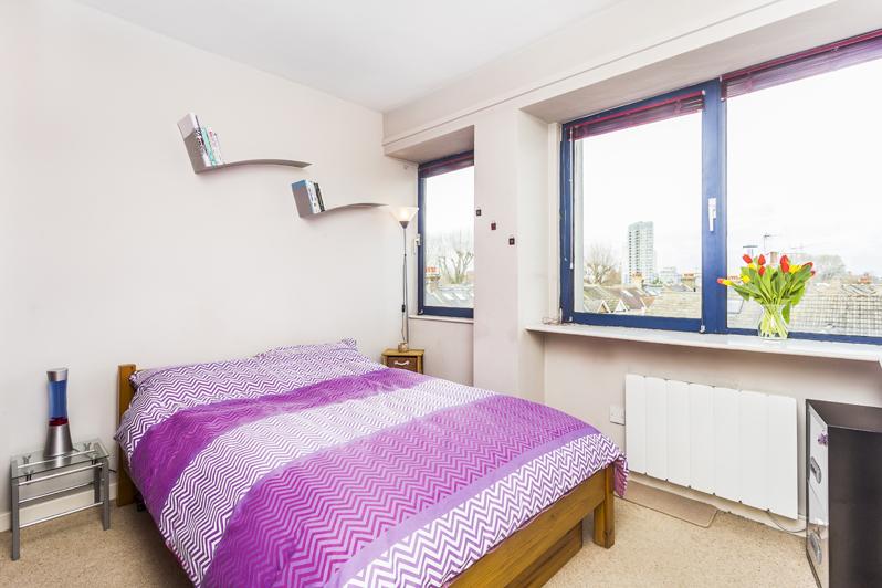 Mortimer House F12 - bed V2.jpg