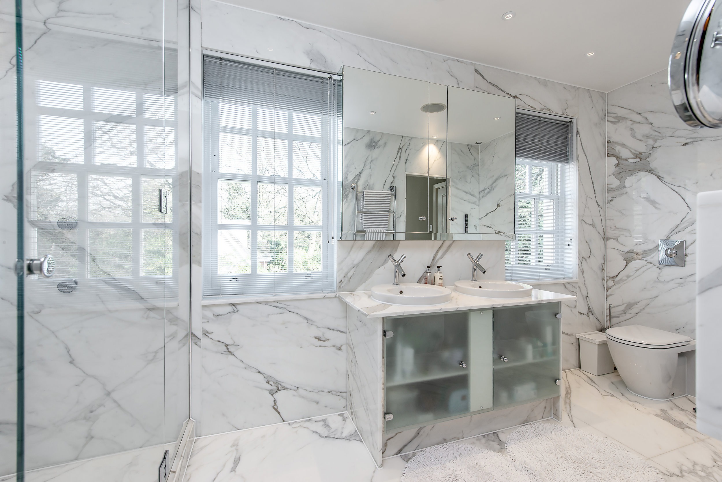 3 Randolf Close-Bath.jpg