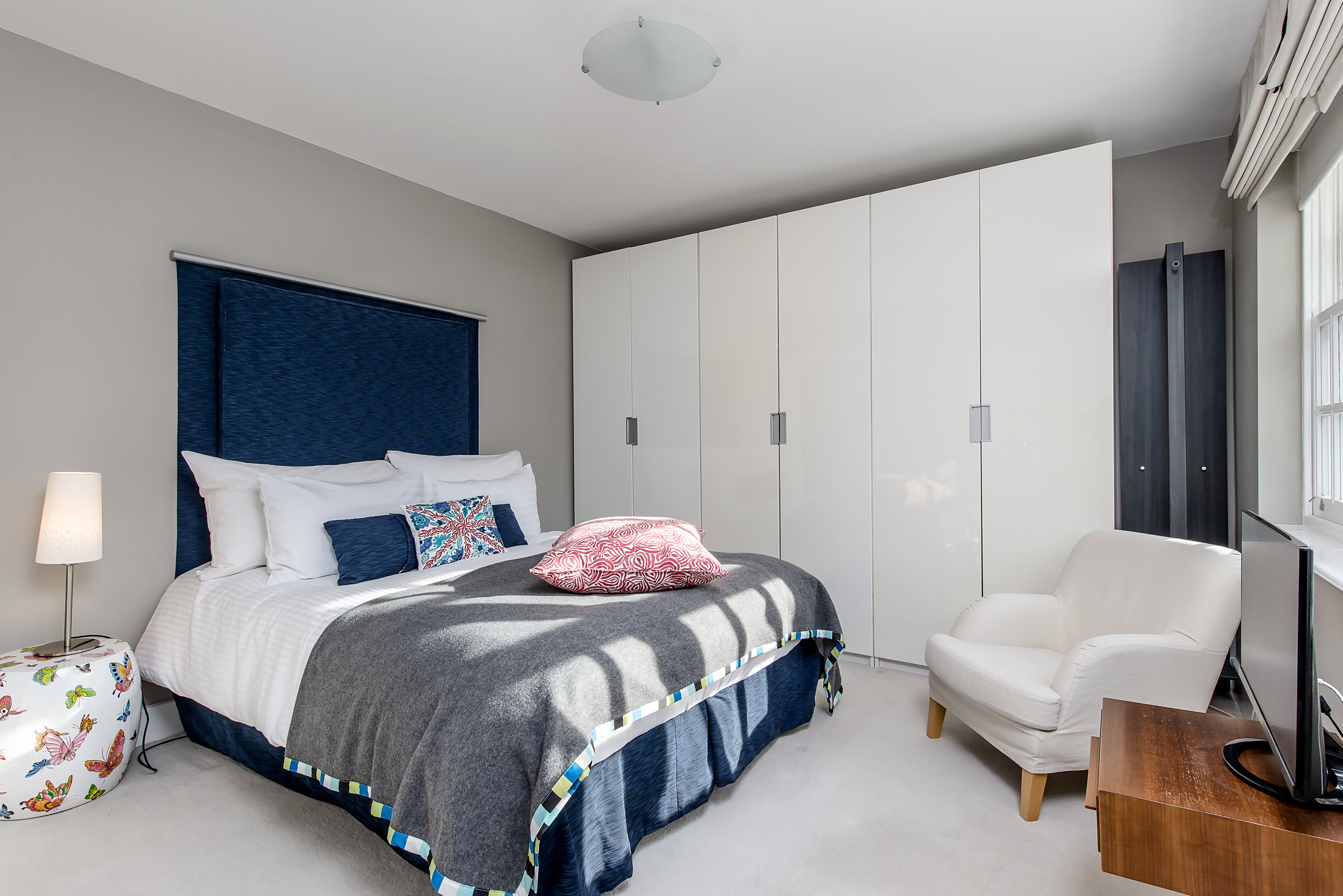 3 Randolf Close-Bed.jpg