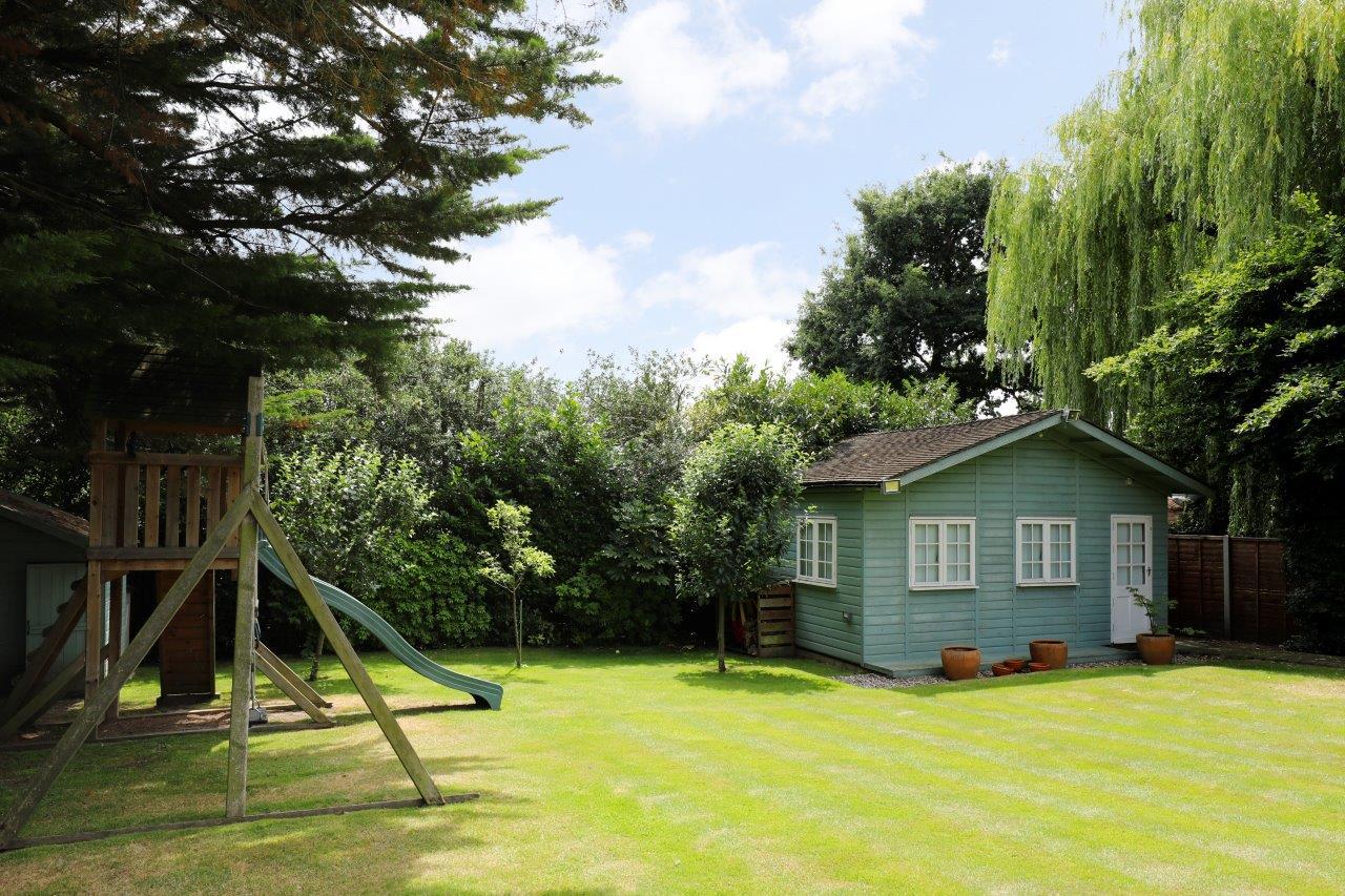 Neville Ave 11 - Summer house.jpg