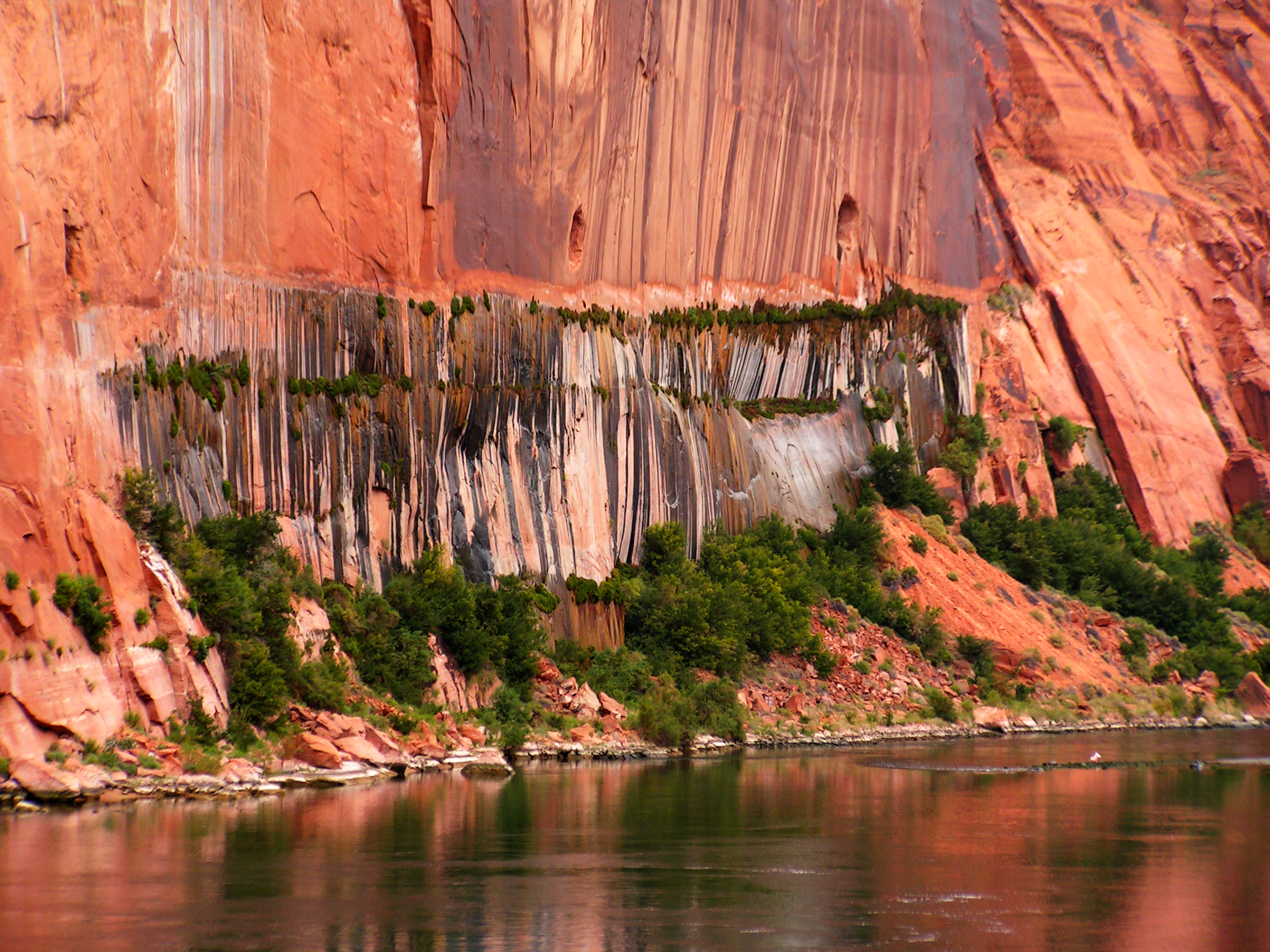 Glen Canyon Dam, Hanging Gardens. Photo by Rich Rudow