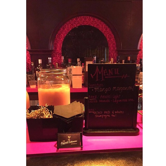 Full bar set up inside this beautiful home! We love the love story behind this bar! ❣✨🍺 *Specialty drink: Mango Margaritas . . . . . . . #theliquidcaterers #sfevents #pme #tlc #bartenderforhire #barsetup #mangomargarita #replicabar