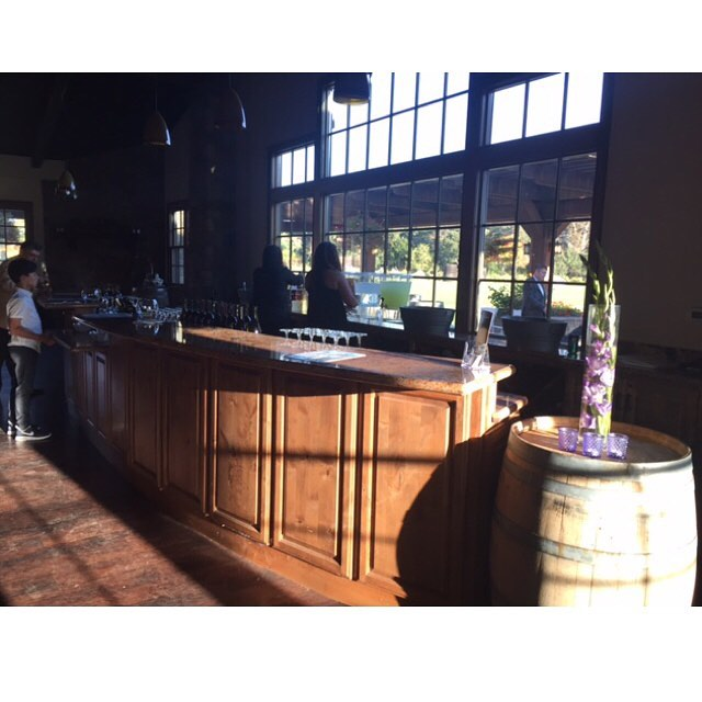 Wedding Set Up @ Kirigin Cellars 👰 Congrats to the bride and groom! 💖 . . . . . . #tlc #liquidcaterers #bartenderforhire #pme #gilroyca #barsetup #wedding #kirigincellars #californiawedding