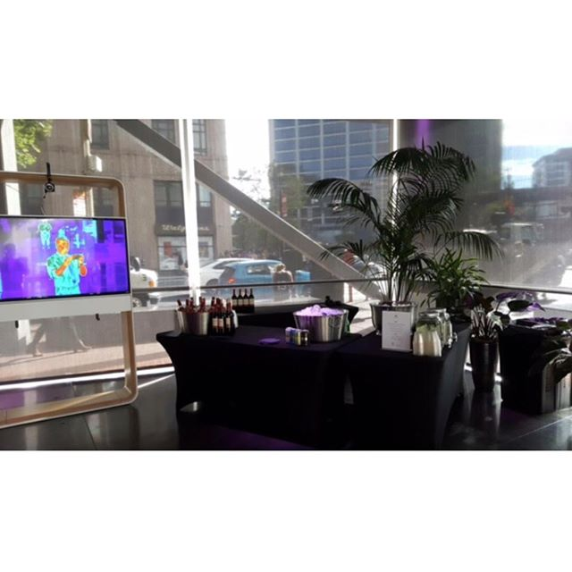 Bar set up for #Dolby event in #sf! This bar was a sick set up! 🙌🏼🍸✨ . . . . . . #tlc #theliquidcaterers #bartenderforhire #dolby #sfevents #pme
