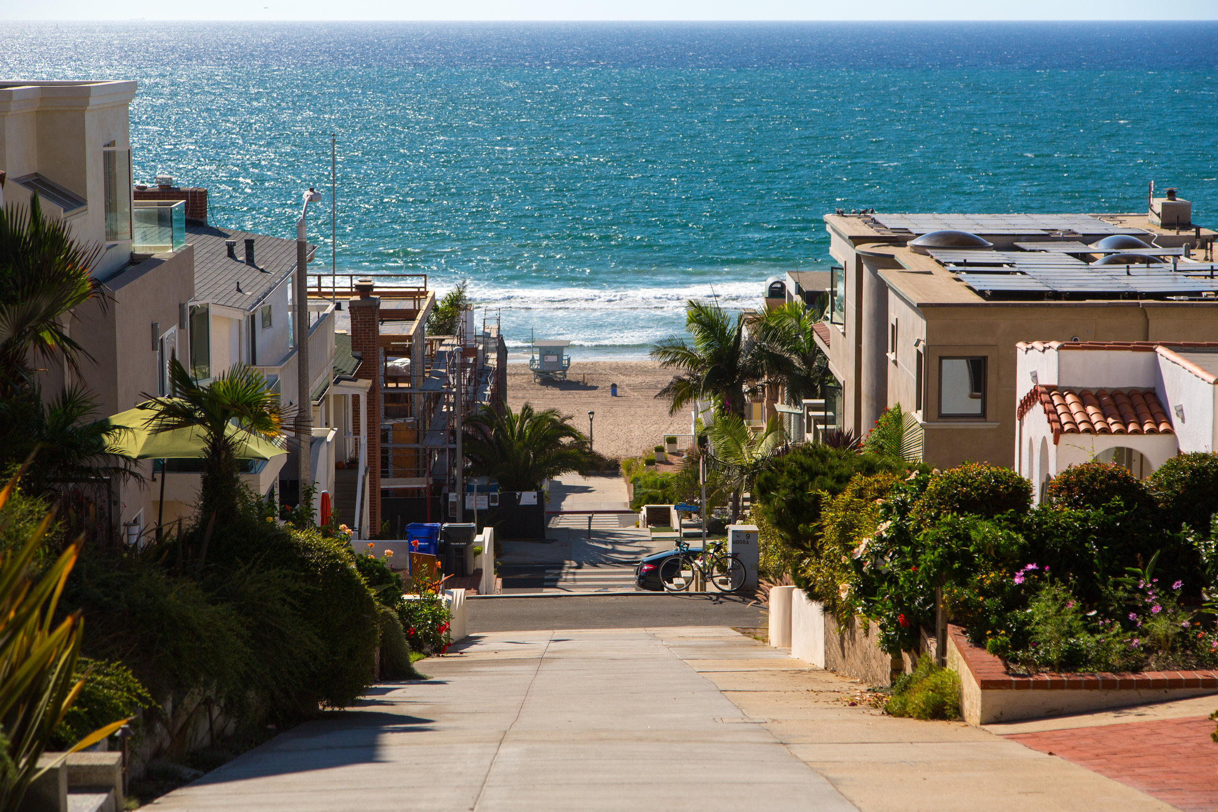 Manhattan Beach - Neighborhood Street to Beach (Signature).jpg