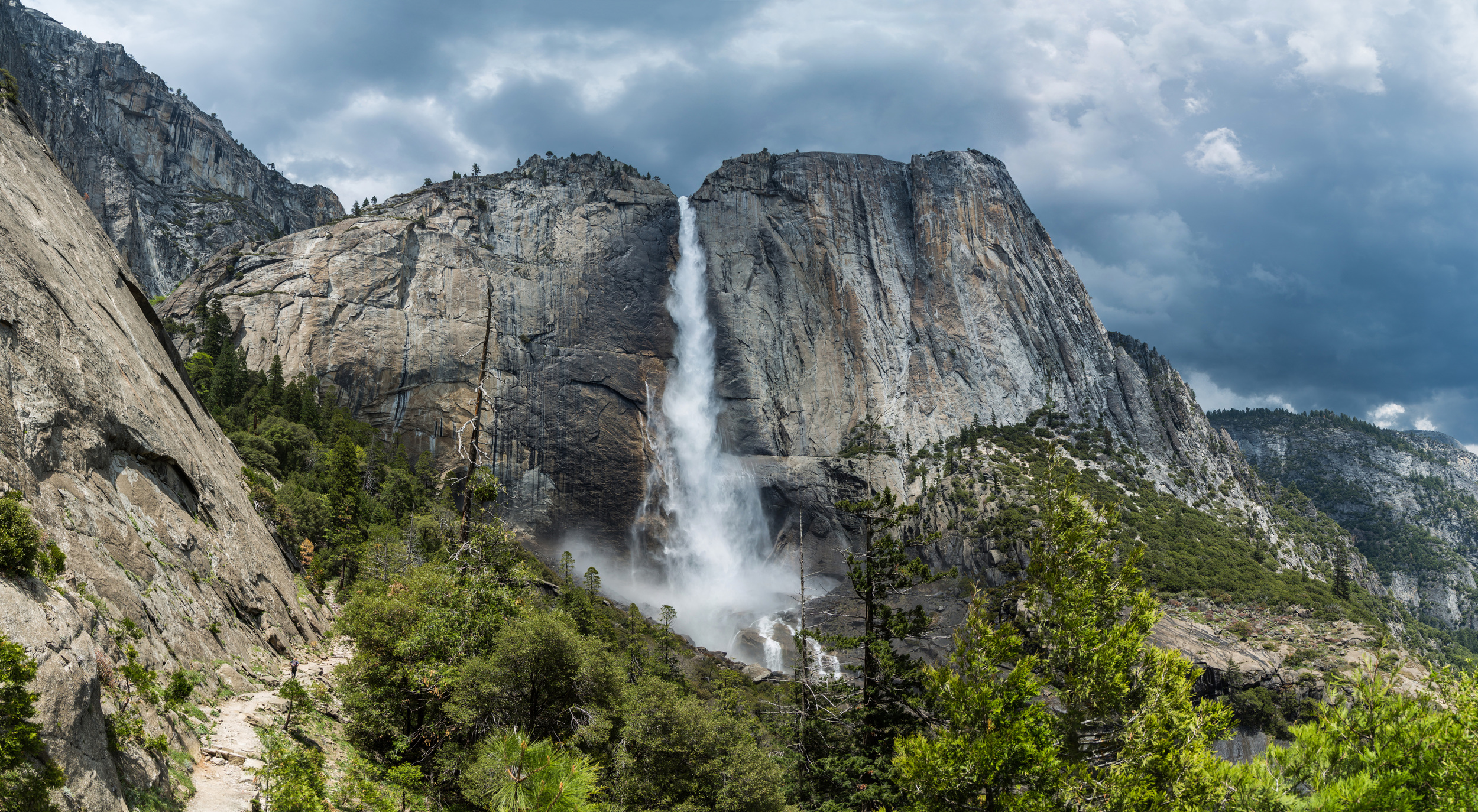 A view from the trail approaching Yosemite Falls. Home of The Bearded Man's accidental shower and subsequent 'But I was just toweling off, Officer' incident.