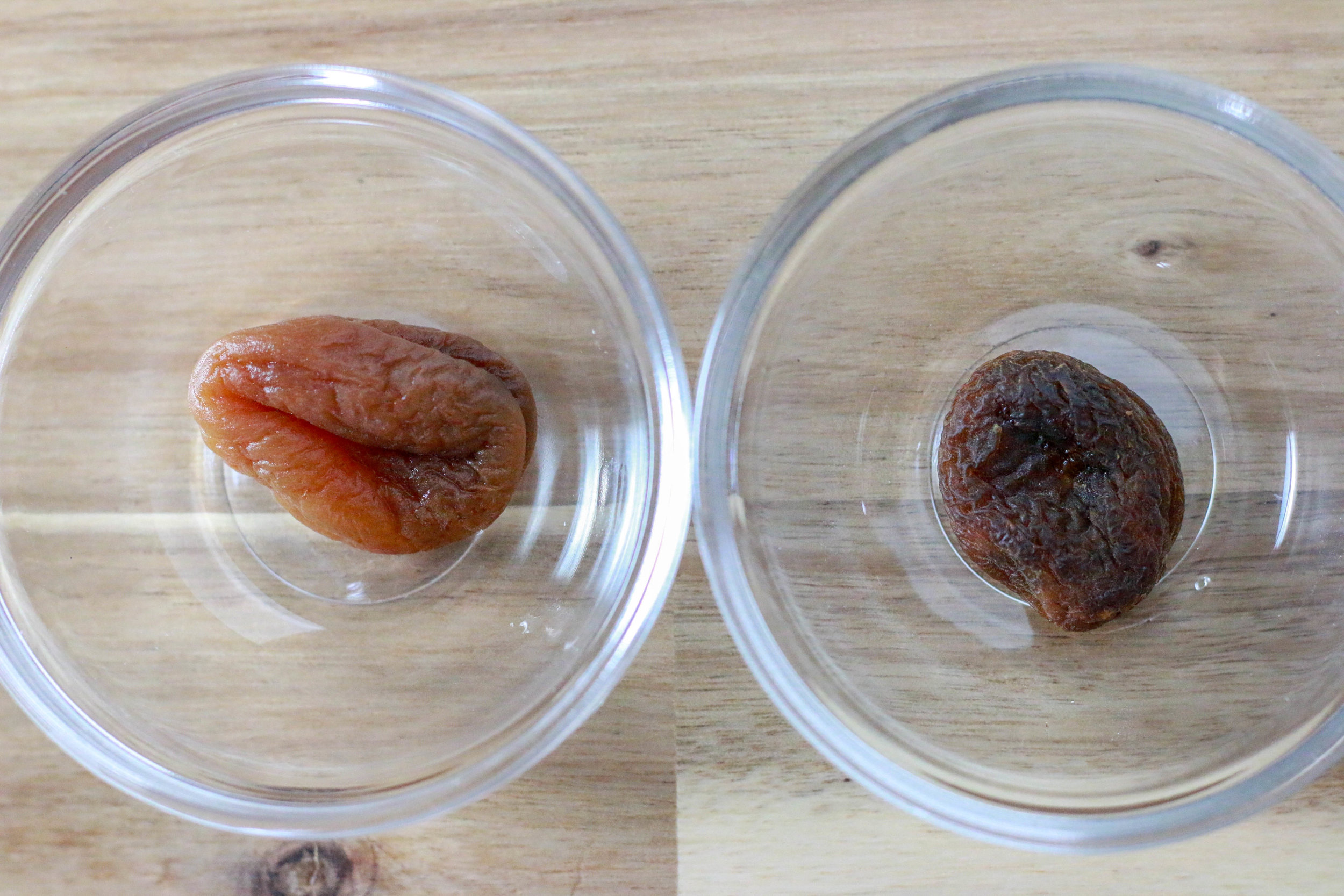 Before and after soaking! See how plump that apricot on the left looks?!