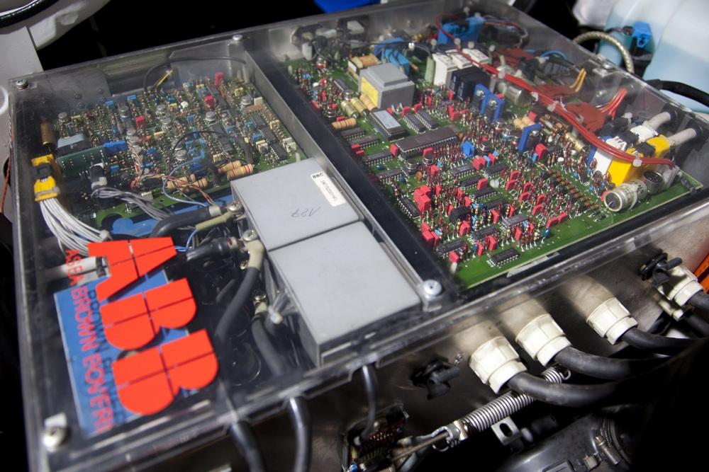 bmw-325ix-elektric-8.jpg