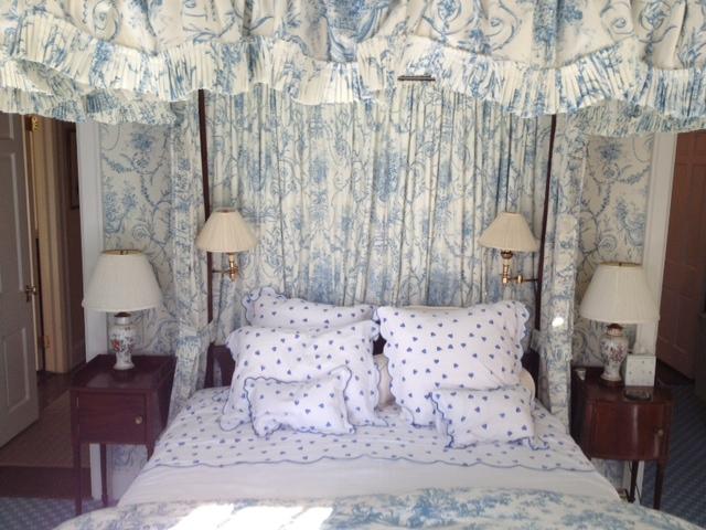 upholstered bed (1).JPG