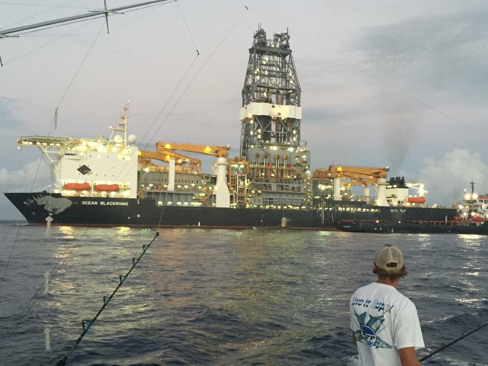 Tuna fishing a Drill Ship