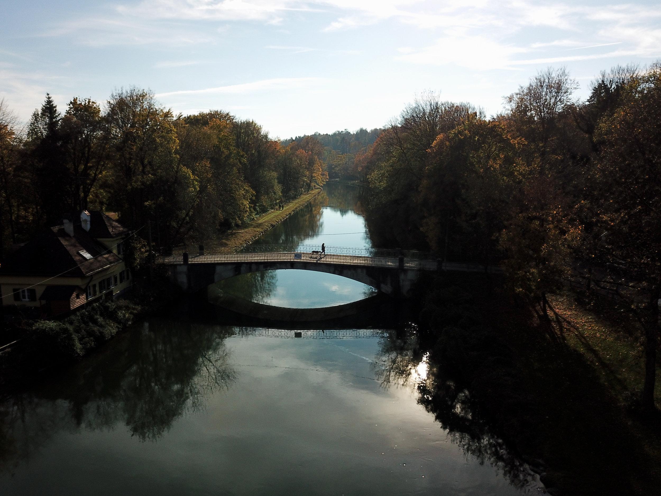 Brücke über die Isar, München, Drohnenaufnahme