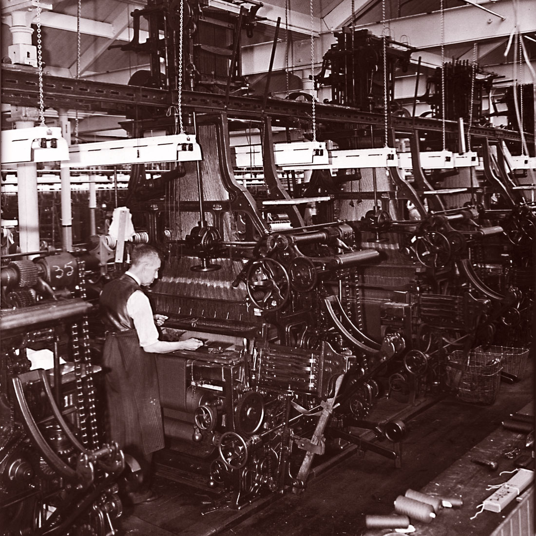 Hattersley_Pattern_Looms.jpg