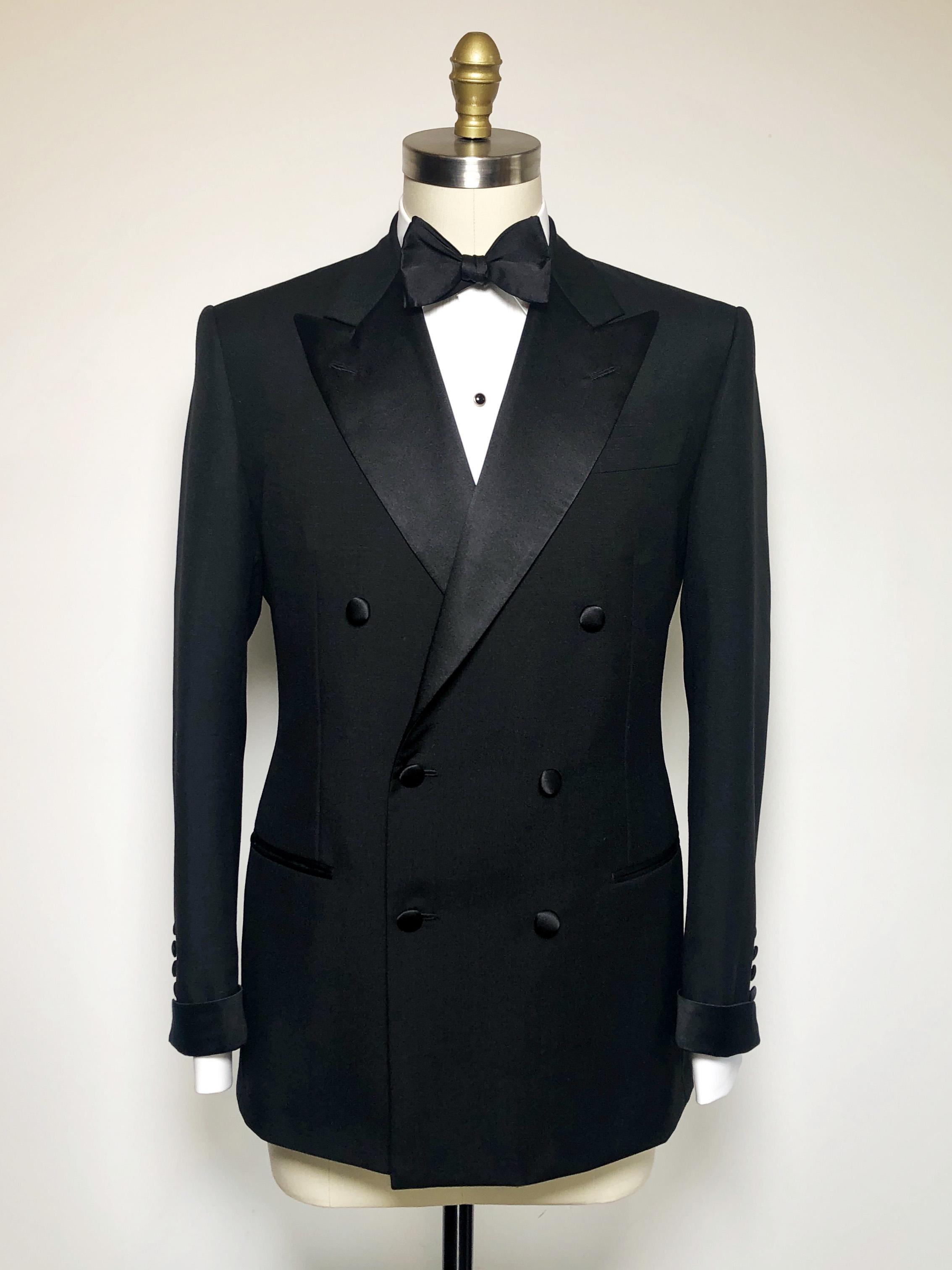 Reeves wide lapel dinner suit.jpg