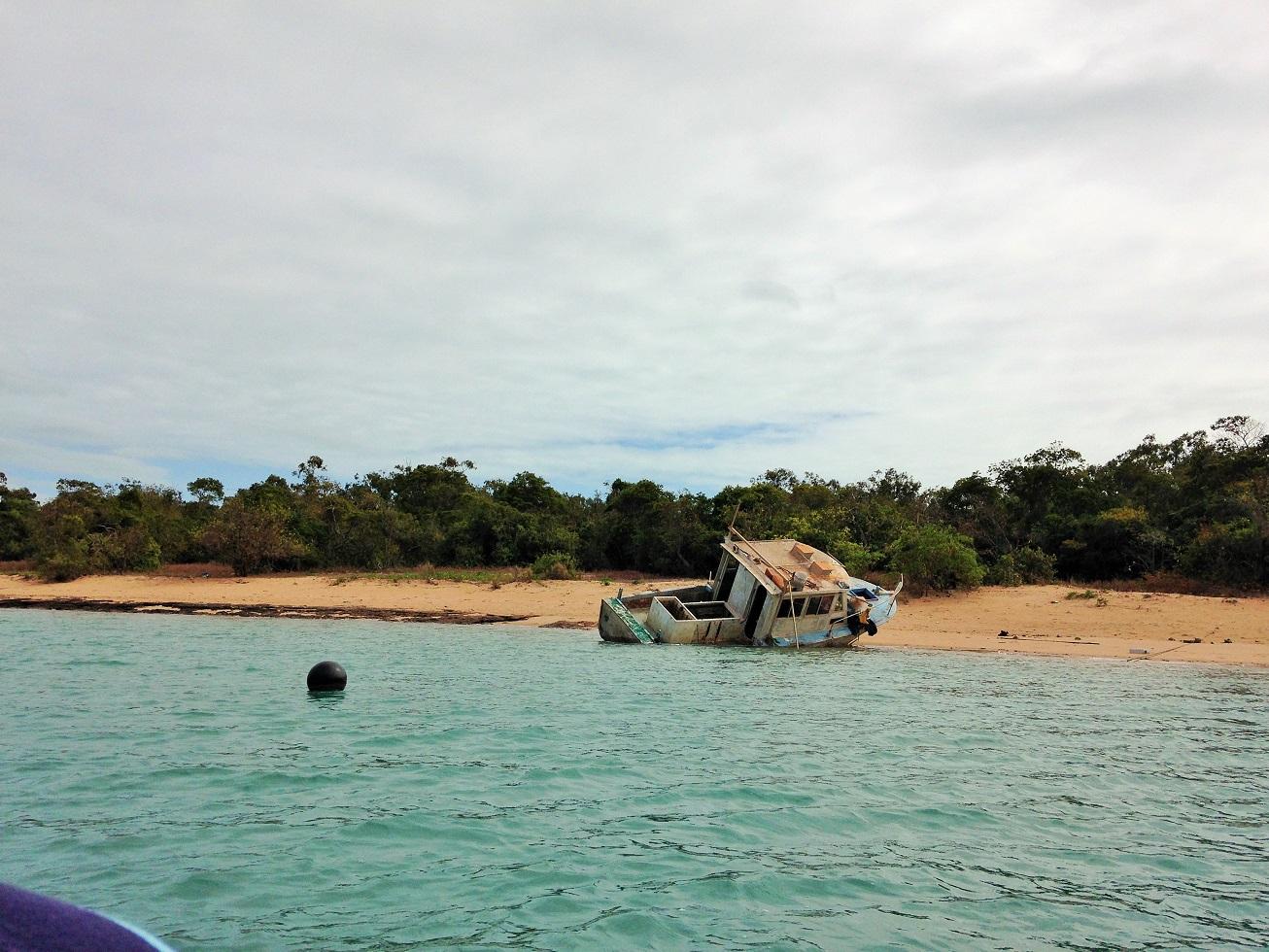 boat wreck.JPG