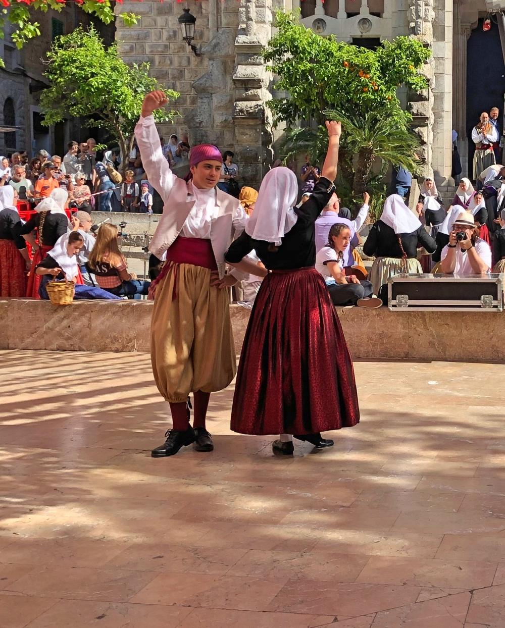 Soller dancing.jpg