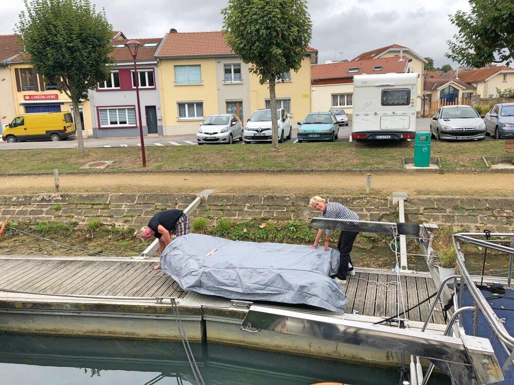 covering dinghy.jpg