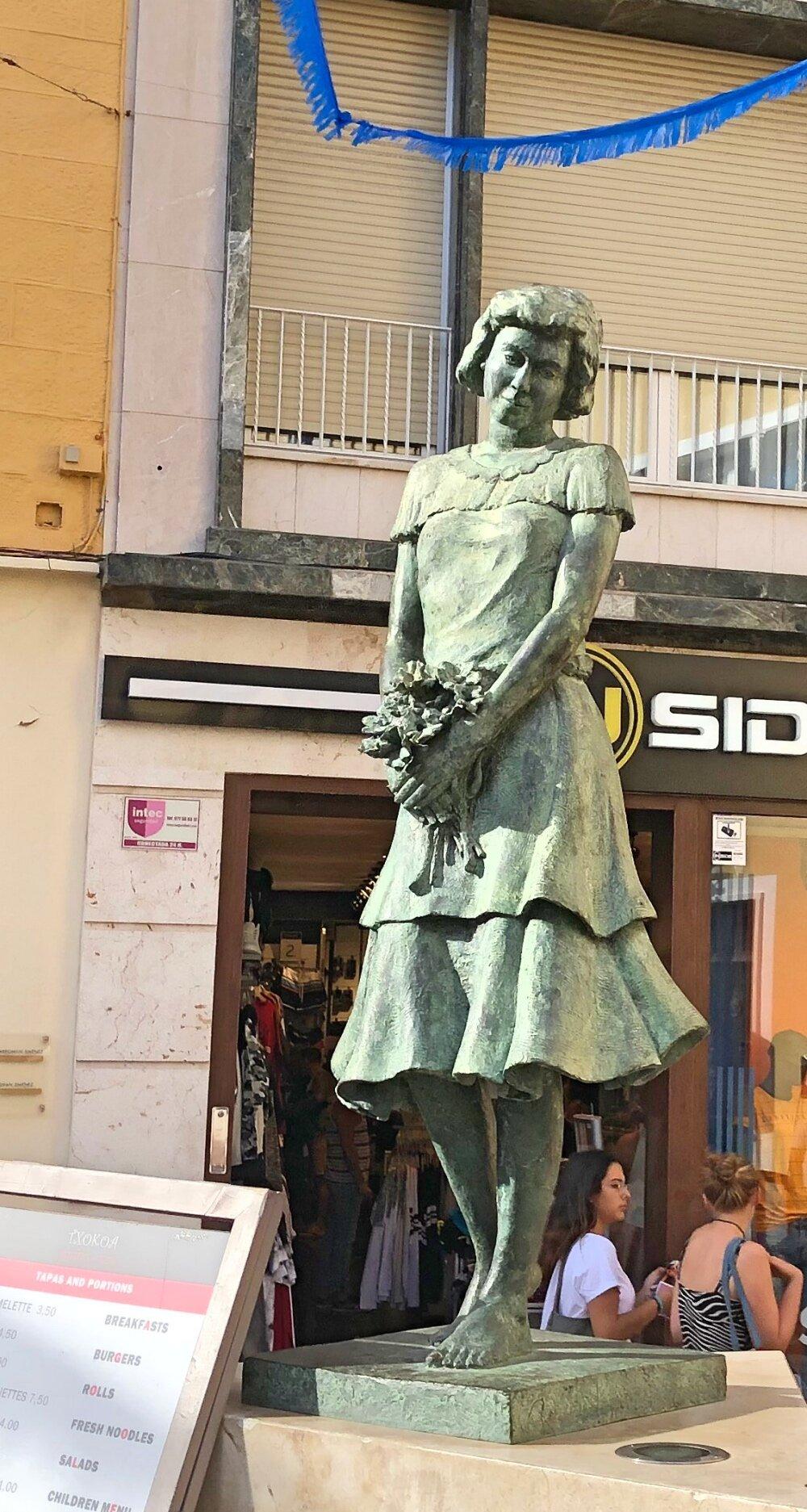 pretty statue.jpg
