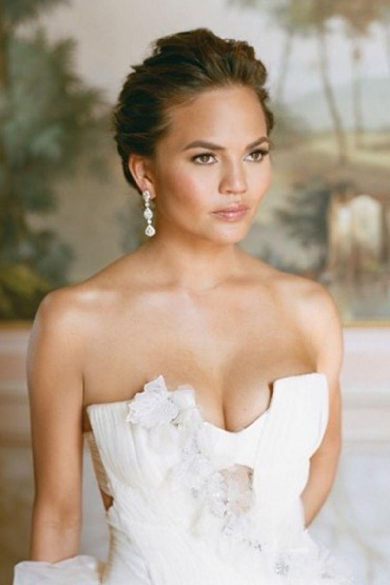 hbz-iconic-bridal-beauty-chrissy-teigen-aarondelesie-instagram-1500663887.jpg